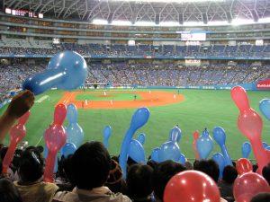 球場で野球観戦